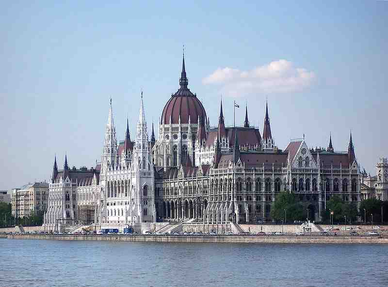 Les 4 capitales baignées par le Danube ?